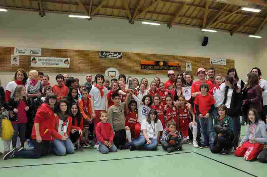 champion-honneur-poussines-2012-2013